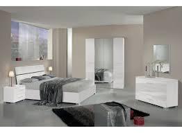 chambre a coucher blanc laqué chambre a coucher blanc laqu chambre design blanche galerie avec