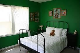 wandfarbe grn schlafzimmer grüntöne wandfarbe 40 vorschläge archzine net