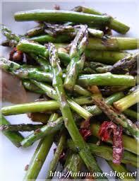 cuisine asperges vertes poêlée de petites asperges vertes et cueillette d asperges des bois