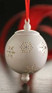 belleek berry leaf bauble ornament easter