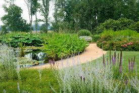 Artful Gardens The New American Garden The Landscape Architecture Of Oehme Van