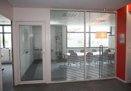 cloison aluminium bureau cloison vitrée toute hauteur store vénitien intégré porte cadre
