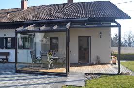 balkon wetterschutz terrassenverglasung mit windgeschützten bereich aus glas
