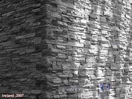 steinwand fã r wohnzimmer funvit arbeitsplatte grau
