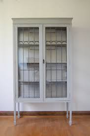White Painted Wooden Display Cabinet Come With Clear Glass Door And
