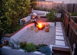 Modern Firepit Modern Firepit This Modern Landscaped Backyard Has A Raised