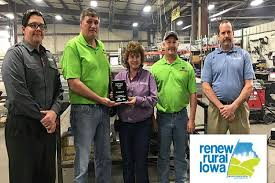 bureau entrepreneur iowa farm bureau aluma trailers presented iowa farm bureau s renew