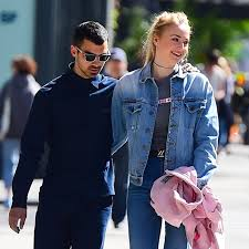 of thrones engagement ring joe jonas and turner are engaged see the of thrones