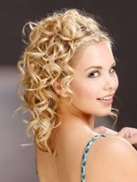haircut styleing booth 18 best curly hairstyles images on pinterest hair dos hairdos