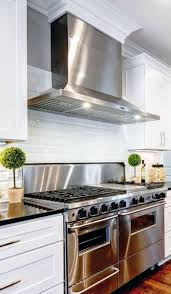 Kitchen Vent Hood Designs by Best 25 Stainless Steel Range Hood Ideas On Pinterest Stainless
