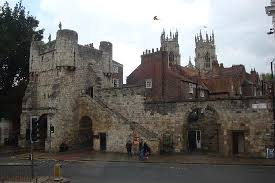 york city walls walk gillygate picture of york city walls