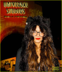 halloween horror nights pregnant policy vanessa hudgens halloween horror nights with stella photo