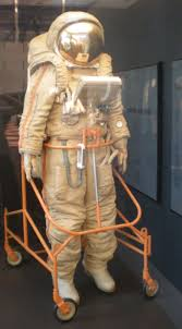 file krechet space suit air and space jpg wikimedia commons