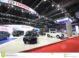 toyota en bangkok 25 de marzo sala de exposición del coche de toyota en