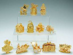 danbury mint 1995 gold ornament collection at