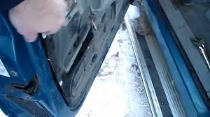 Interior Door Handles Toronto by Replacing 1998 Chevy Silverado Exterior Door Handle Youtube