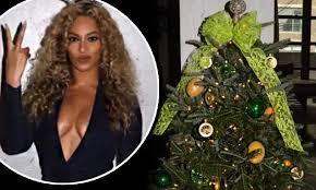 Dark Blue Christmas Decorations Uk by Rocking Around Her U0027lemonade U0027 Tree Beyonce Poses In Very Plunging