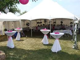 Tent In Backyard by Best 25 Backyard Tent Wedding Ideas Only On Pinterest Tent