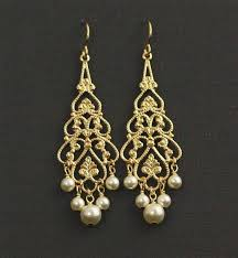 gold bridal earrings chandelier ohh these would be really with my dress bling