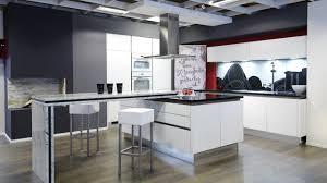 moderne kche mit kochinsel und theke küchen mit kochinsel und theke ambiznes