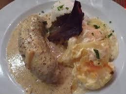 cuisine lyonnaise file andouillette lyonnaise 01 jpg wikimedia commons