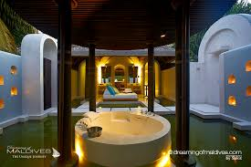 The Most Extraordinary Hotel Bathrooms Weve Seen In Maldives - Resort bathroom design
