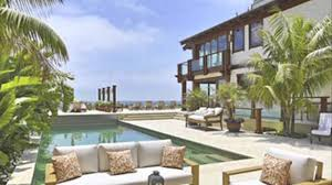 rent pierce brosnan u0027s malibu home for 250 000 a month youtube