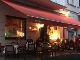 Wohnzimmer Berlin Restaurant Hier Fühlt Man Sich Wie In Einem Wohnzimmer Und Dazu U2026 Gastroguide