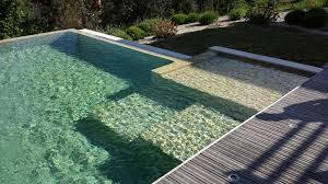 piscine en verre carrelage piscine en pâtes de verre beige oasis sur fil