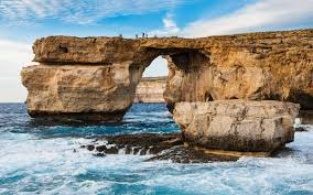 Azure Window Collapses Angry Tourists Leave One Star Reviews For Attraction That No