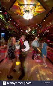 ohio sandusky comfort inn disco night club couple dancing lighting