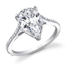 oval shaped engagement rings stunning pear shape diamond engagement ring