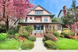 3m home in the urban suburb of prospect park south is a