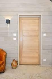 porte en bois de chambre porte coulissante en bois effet brut pour chalet après ski