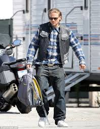 Sons Anarchy Halloween Costumes Charlie Hunnam Roars Motorcycle Filming