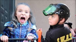 scaring the crap out of kids on halloween hilarious