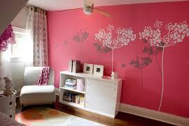 pochoir chambre fille design interieur chambre fille peinture corail déco murale pochoirs