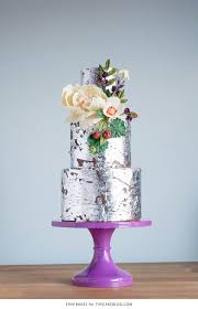 2015 wedding cake trends organically styled florals