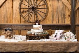 The Barn At The Meadows The Barn At Thfarms Louisiana Rustic Wedding Venue