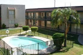 Court Yards The Courtyards Rentals Glendale Az Apartments Com