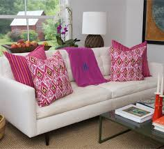 Living Room Pillows by Dazzling Decorating With Throw Pillows For Minimalist Living Room