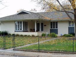 l shaped house with porch holdrege nebraska front porch ideas autumn porch decorating