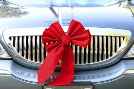 big bow for car present tips for buying a car as a gift carlsbad auto service inc