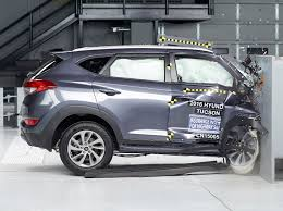iihs critical of passenger side crash protection in some vehicles