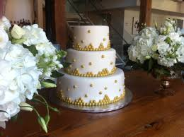 Wedding Cake White Fondant With Gold Beads Gold Dragees Gold