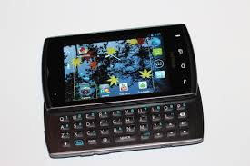 kyocera android kyocera s hydro and rise android smartphones a look from