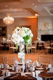 fantastic blue and white wedding table decoration using blue