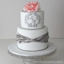 wedding cake monogram idea in 2017 wedding