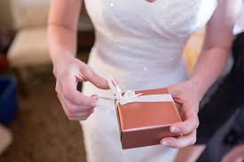 how much money to give at a wedding wedding gift best how much money do you give for a wedding gift