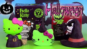 Hello Kitty Halloween Cupcakes